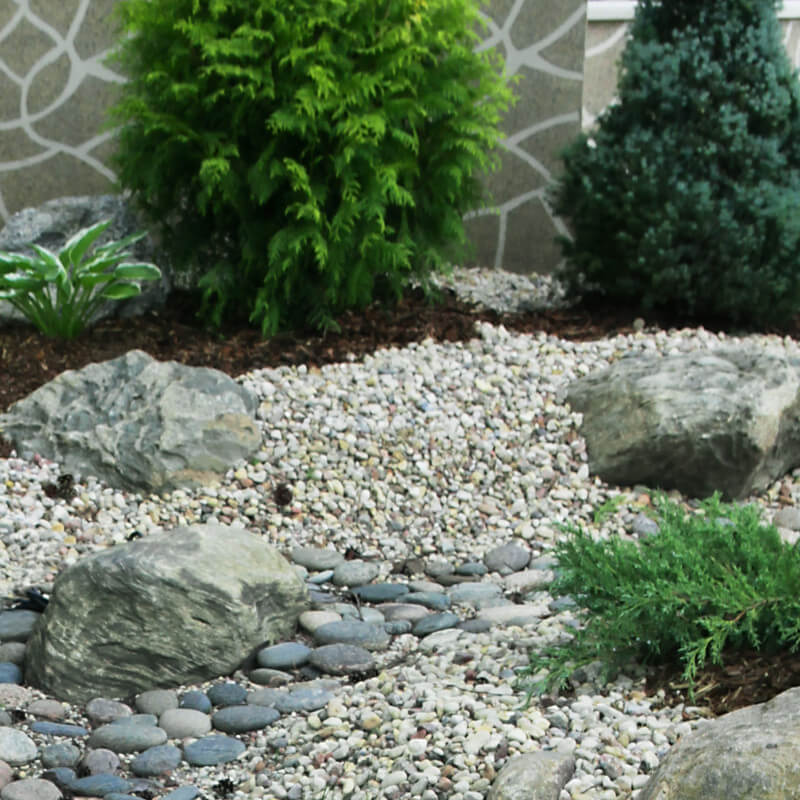 mulch pebble garden